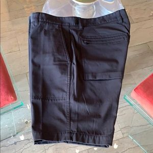 Men's DITMAS shorts in size 34x9x18.5 by Theory